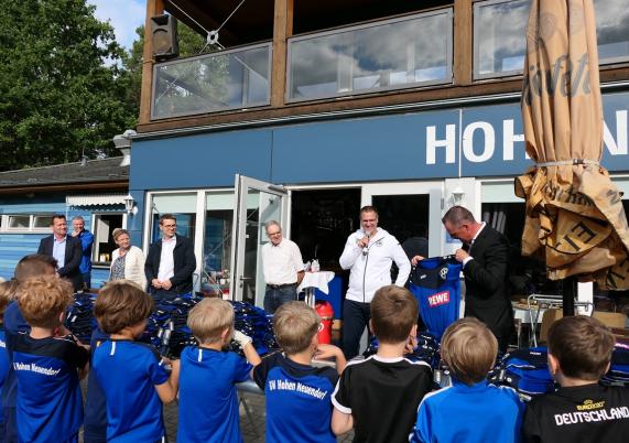 Neue Vereinskollektion für den SV Blau-Weiss Hohen Neuendorf