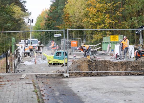 Baustelle auf der Brücke zwischen Bergfelde und Hohen Neuendorf