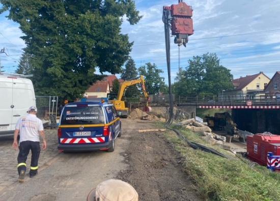 Nach dem Auffinden der Gasleitung wurde festgestellt, dass diese außer Betrieb ist und qualifiziert demontiert werden kann. (Quelle: DB Netz AG)
